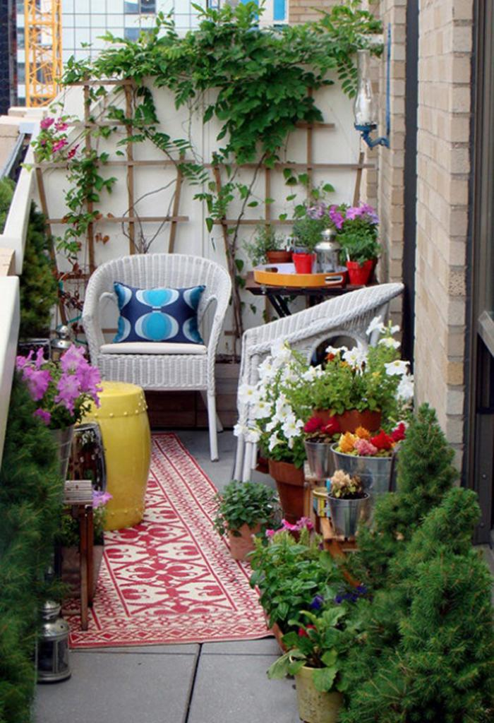 Цветы на балконе фото