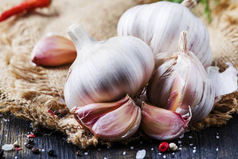 Как сохранить чеснок до нового урожая